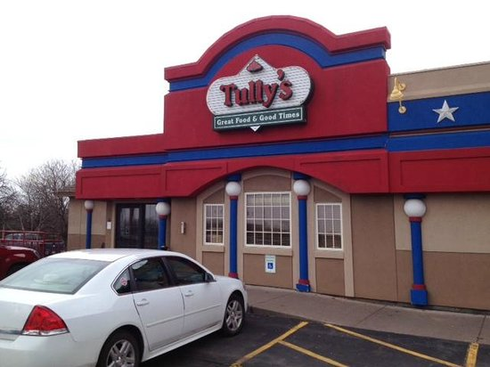 Tully's Good Times: Tully's entrance