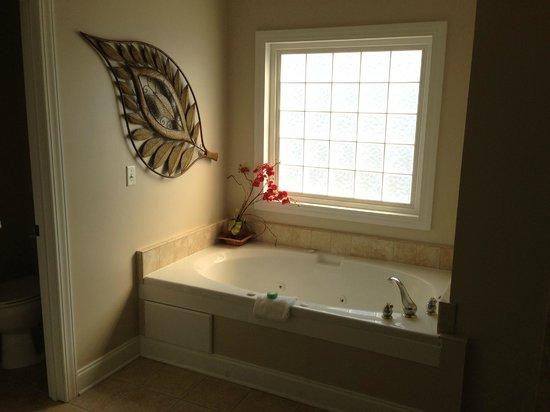 Wyndham Ocean Ridge : Master bathroom