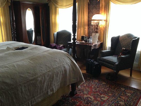 Portland's White House: Baron's Room