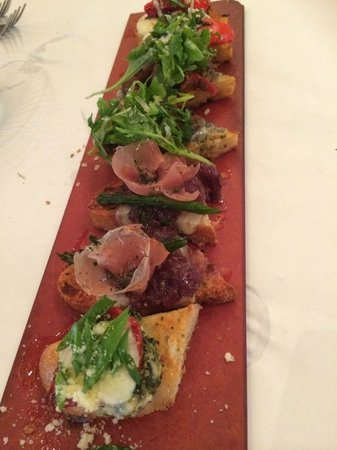 BRIO Tuscan Grille: Brusquetas deliciosa de entrada