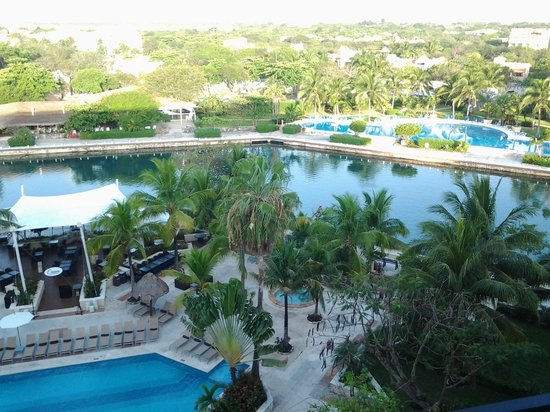 Dreams Puerto Aventuras Resort & Spa: 7th floor looking out at the marina