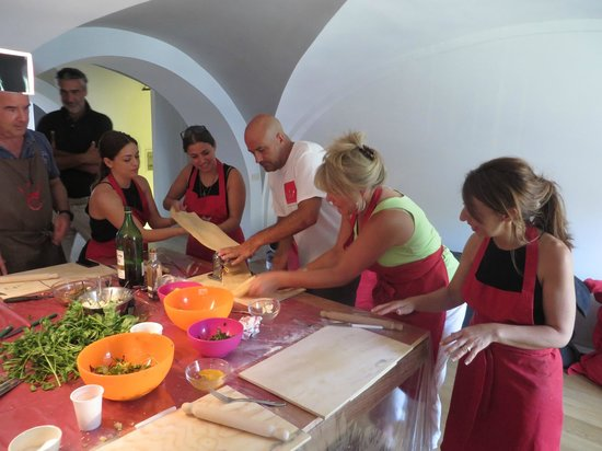 Fabiolous Cooking Day in Rome : Lets go & make the pasta all together!!!