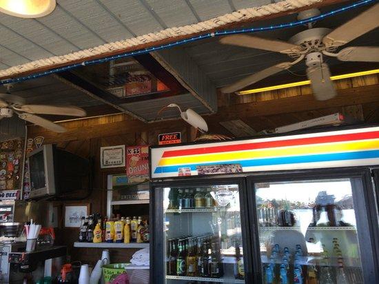 Bonita Bill's Waterfront Cafe : Having a cool 1