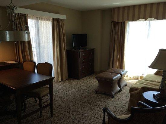 Embassy Suites by Hilton San Antonio Riverwalk-Downtown: 17th floor corner balcony 1 bedroom suite. April 2014