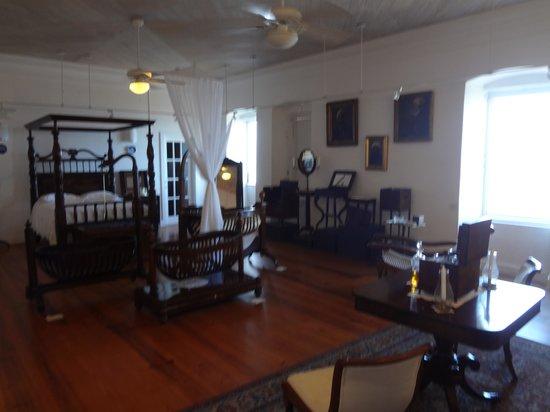 Fort Frederik: Interesting room of historical furniture