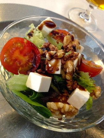 Atempo Weekend Bistrot: ensalada con frutos secos
