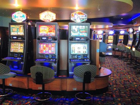 O'Shea's Royal Hotel: Onsite Gaming