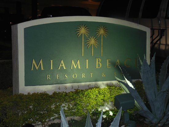 Miami Beach Resort and Spa: Entrada do Hotel