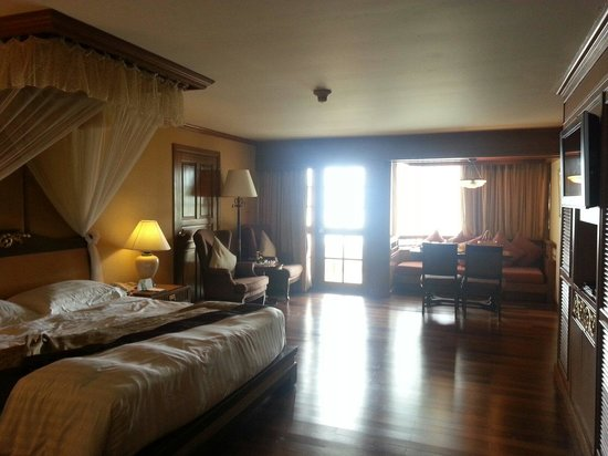 Diamond Cliff Resort and Spa: Our room. 2502.