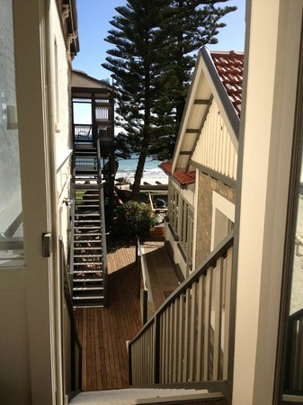 Seawall Apartments: Stairway view from The Crows Nest