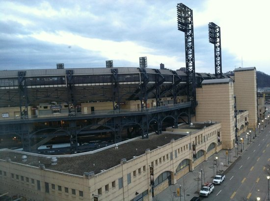 SpringHill Suites Pittsburgh North Shore : Beautiful view of PNC Park
