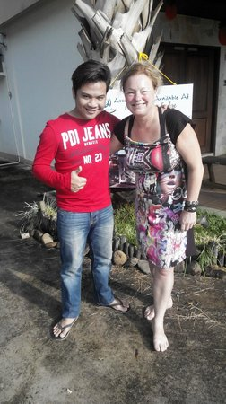 Planet Borneo Lodge: taking picture with Ing Koning