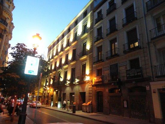 Catalonia Puerta del Sol: Fachada do Hotel