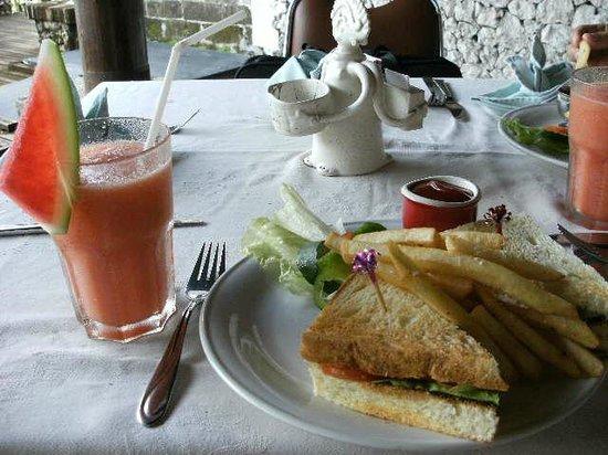 Balisani Padma : 朝食のパンケーキ