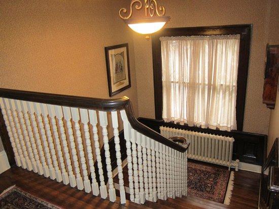 1900 Inn on Montford: Hallway