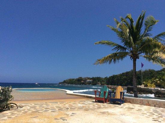 GoldenEye : Pool/Beach