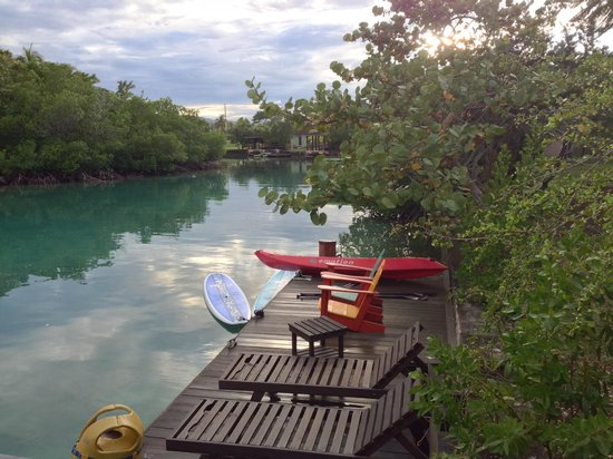 Goldeneye Resort: Our private dock on the lagoon
