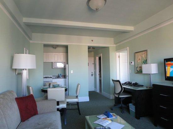 Hotel Beacon: salon cuisinette