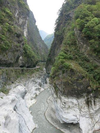 Edison Travel Service - Taipei Day Tour: Taroko Gorge