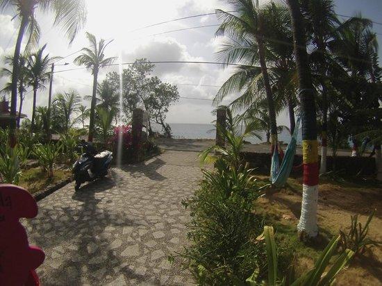 Sunset Hotel: Em frente a Praia