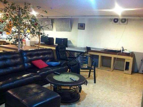 Shinchon Hostel: Kitchen area in the main building