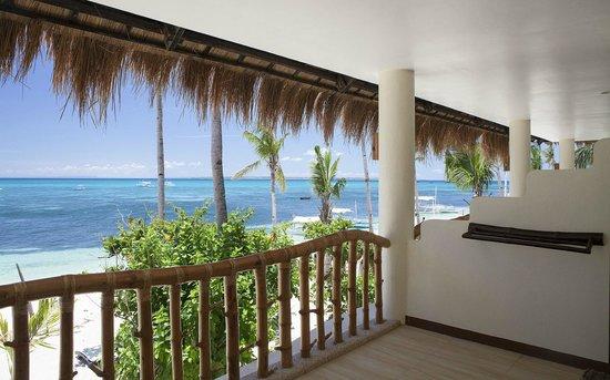 Ocean Vida Beach & Dive Resort : Sea view room
