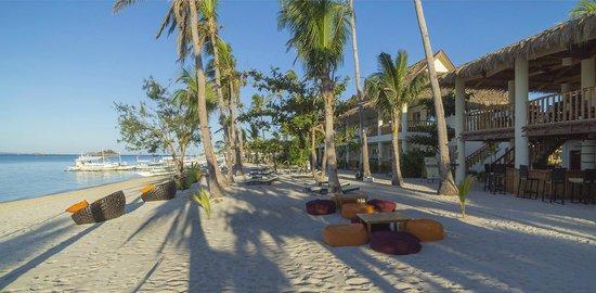 Ocean Vida Beach & Dive Resort: Beach