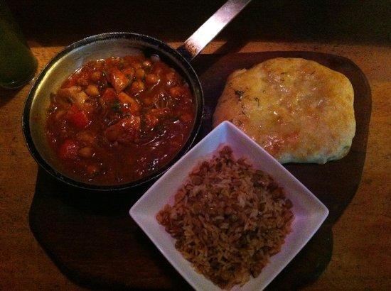 Puggo's: Maroccan stew fish