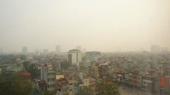 Hotel Nikko Hanoi : 南西の景色