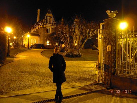 Hotel Villa Soro: El frente del lugar con mi presencia