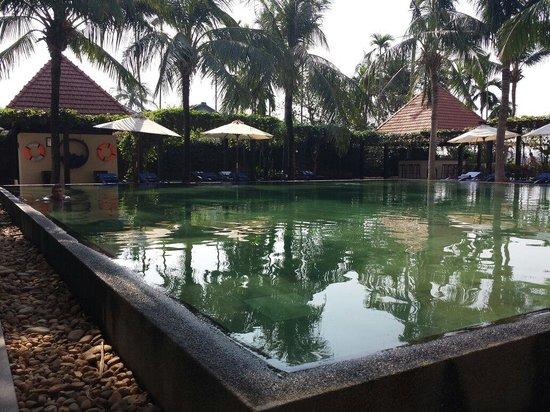 Anantara Hoi An Resort: Stunning pool by the river