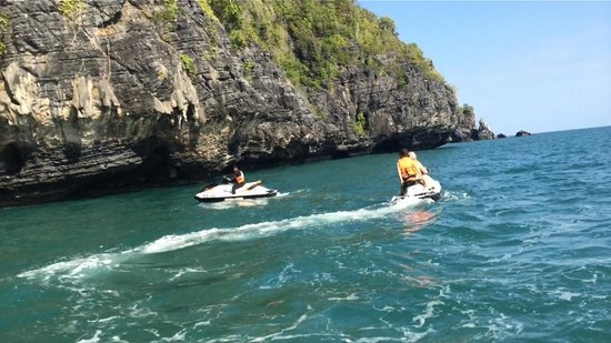 Mega Water Sports - Jet Ski Tours: Moving on lead by Am
