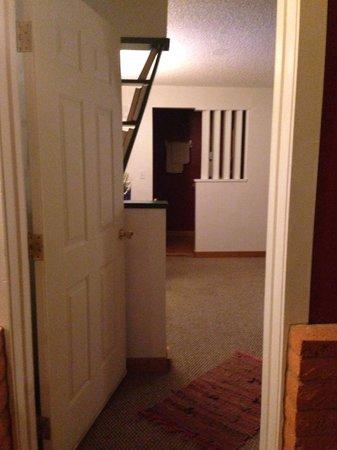 Globetrotter Lodge: Walking into room