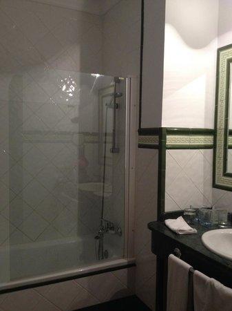 Hotel San Gabriel: Banheiro