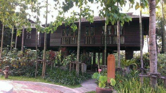 Marndadee Heritage River Village : The beautiful rice barn villa