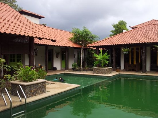 Zamani's Place: Exterior: Pool view