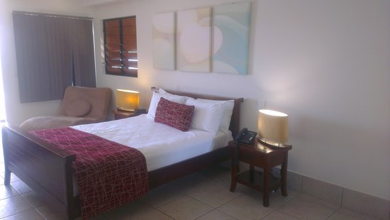 at Waterfront Whitsunday Retreat: Amazing Bed