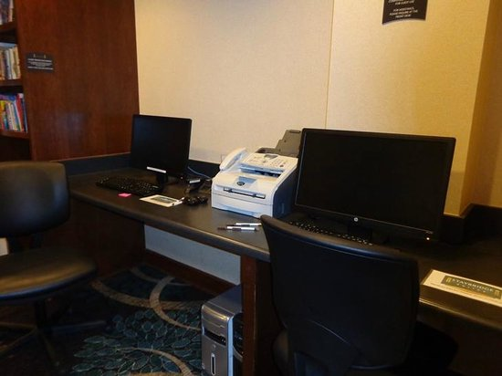 Staybridge Suites Denver International Airport: business center