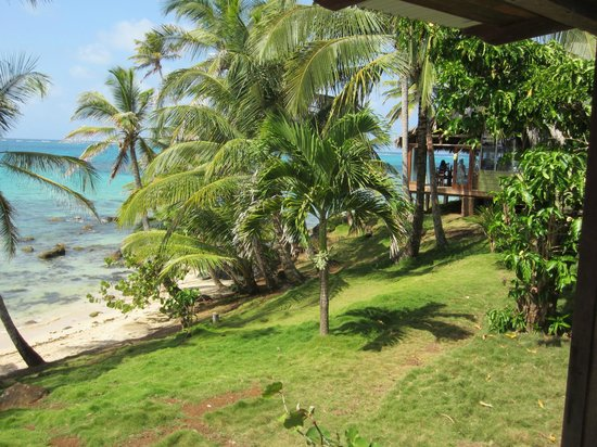 Yemaya Island Hideaway & Spa : View from #11 towards dining deck.