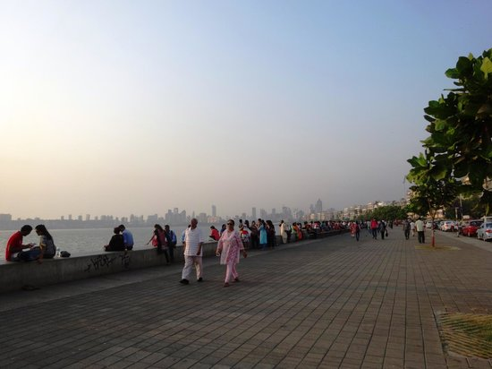 very clean Marine Drive, beautiful place to walk