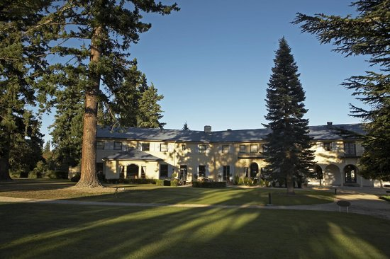 Heritage Hanmer Springs: Hotel Grounds