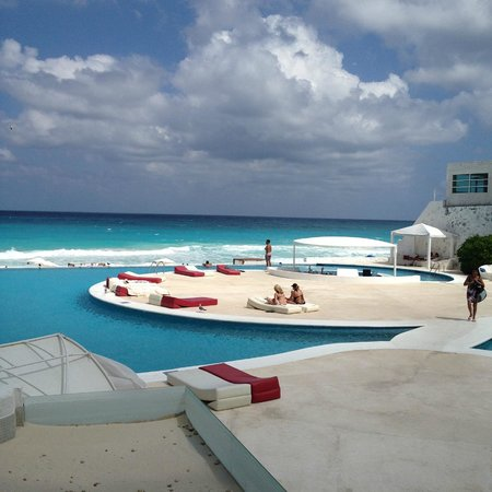 Bel Air Collection Resort & Spa Cancun: Pool/Beach view