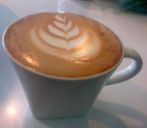 The Coffee Spot : Latte 8oz.