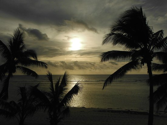 The Edgewater Resort & Spa : End of the day
