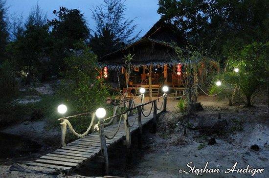 Phrathong Nature Resort: Reception/restaurant