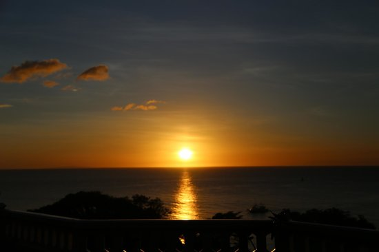 Argonauta Boracay: sunset from the platform