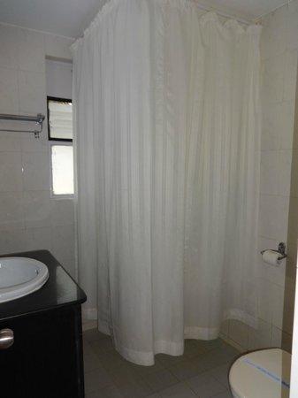 Santana Beach Resort : Washroom