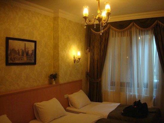 Kupeli Hotel: Triple room