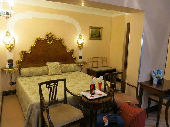 Hotel San Moise: Room 107