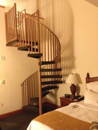 Vail Marriott Mountain Resort: Bi-level suite